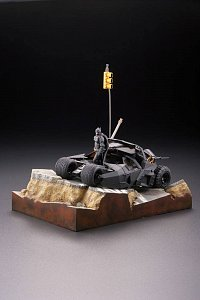 Batman Begins Legacy of Revoltech Diorama Batmobile Tumbler in Gotham City 17 cm - 5