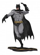 DC Core PVC Statue Batman Gray Variant heo EU Exclusive 26 cm
